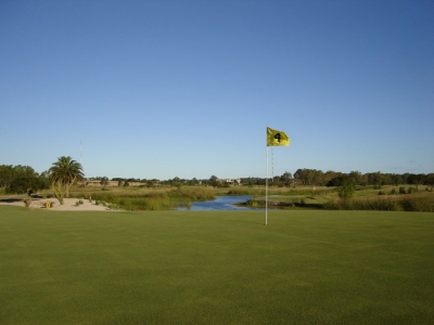 San Carlos Village & Golf, a course overlooking the Río de la Plata